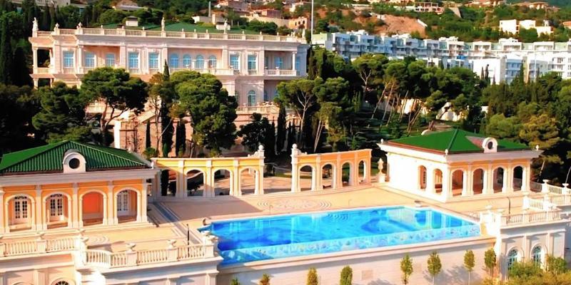 Розкішний маєток Ахметова в Криму продали «Газпрому»
