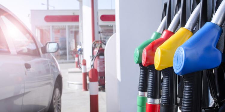 Антимонопольний комітет вважає недостатнім зниження цін на бензин і готує нові перевірки