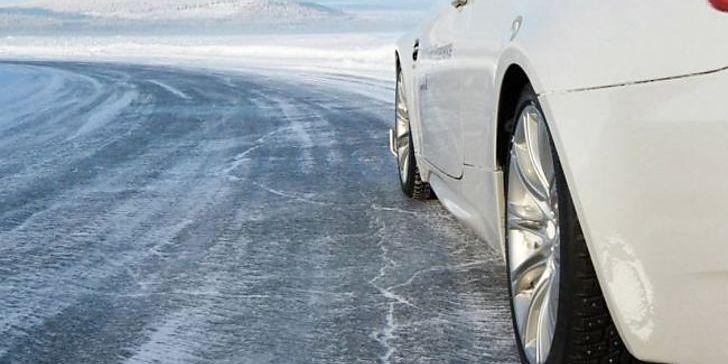 Ожеледиця та засніжені перевали: водіїв попередили про погіршення погоди