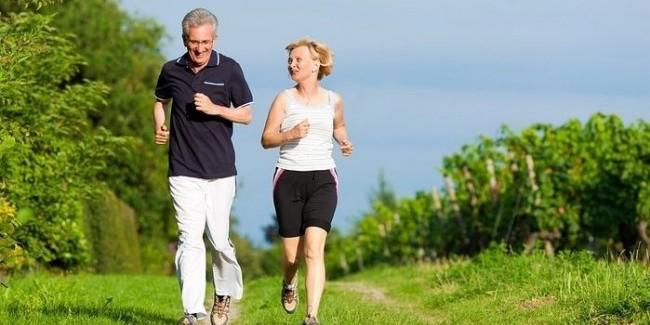 Знову підтверджено, що шкідливі звички та ожиріння істотно знижують тривалість життя.
