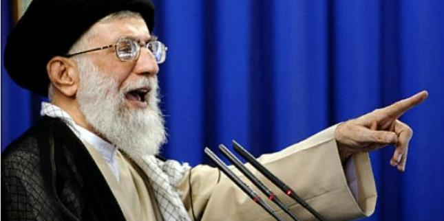 «Дуже гуманна організація»: верховний лідер Ірану став на захист КВІР, що збили Boeing, та звинуватив «американських клоунів»
