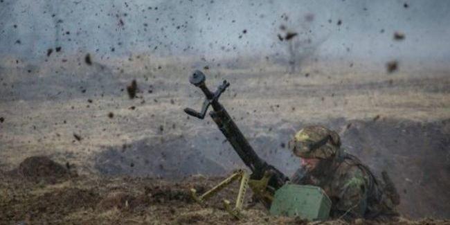 На Донбасі загинув український військовий, 10 поранені