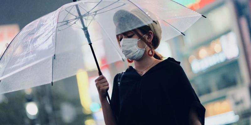 Спалах смертельної пневмонії в Китаї: коронавірус шириться світом