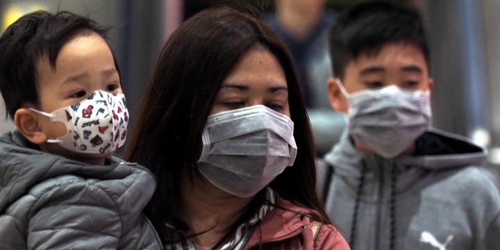 У Китаї дезінфікують вулиці після смерті дев'яти осіб через невідомий коронавірус