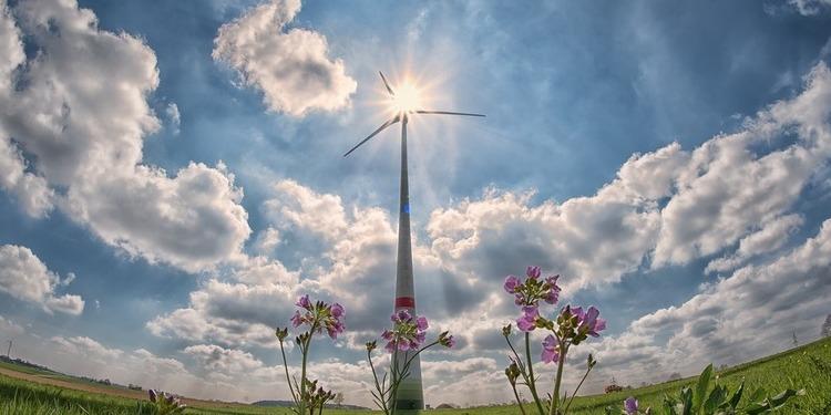 Частка відновлюваної енергії в ЄС досягла 18%