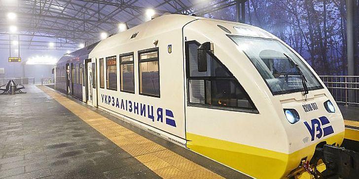 Укрзалізниця планує оновити до 500 пасажирських вагонів у 2020 році