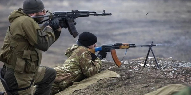 Бойовики 12 разів порушили режим «тиші» на Донбасі, поранений український військовий — штаб