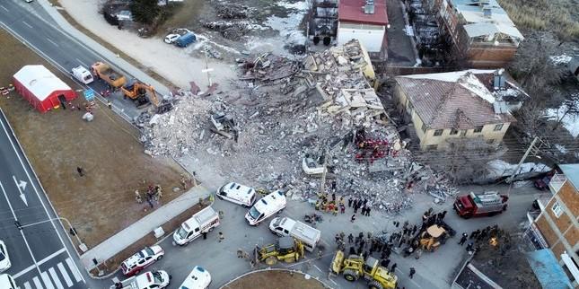 В результаті землетрусу у Туреччині загинула 21 людина, більше тисячі поранених