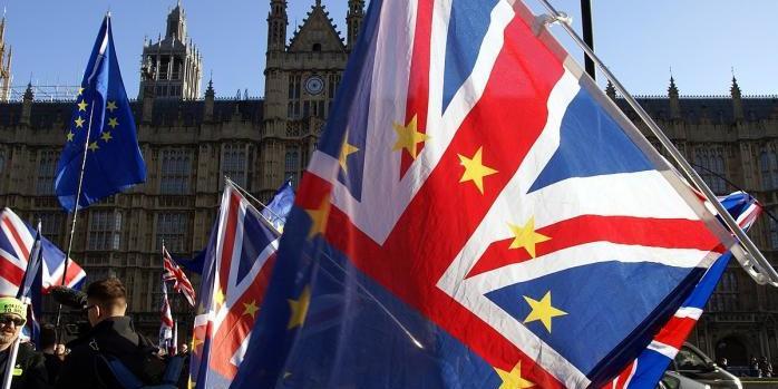 У Британії вводять в обіг нову монету на честь Brexit