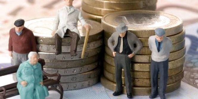 Ситуація критична: пенсії українців опинилися під загрозою через величезну «дірку»