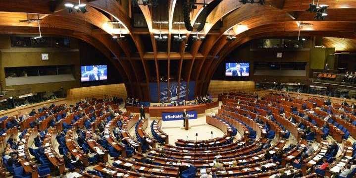 Проєкт рішення ПАРЄ щодо санкцій проти РФ: Москва платить гроші, карати не можна