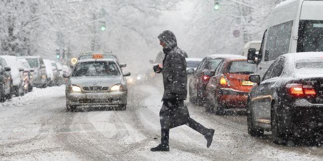 У Києві 5 лютого прогнозують до 10 см снігу: водіїв просять пересісти на громадський транспорт