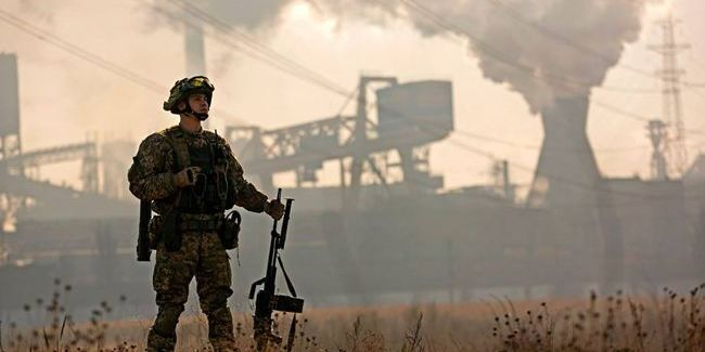 На Донбасі бойовики обстрілювали 13 разів, один військовий поранений — штаб