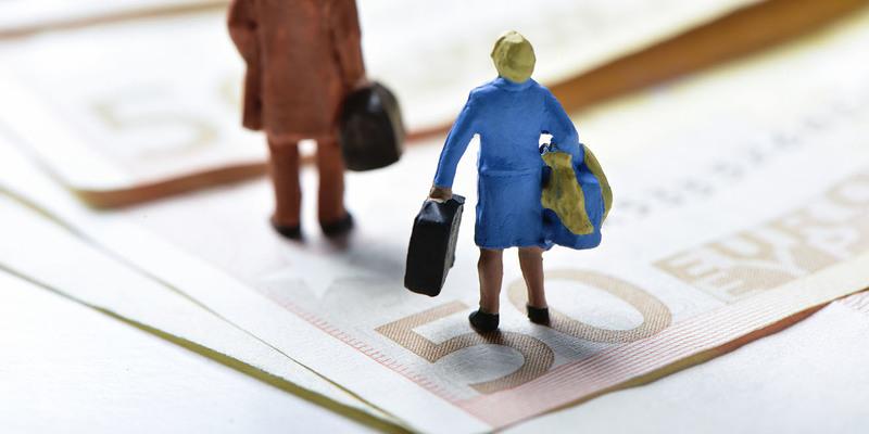 Скільки потрібно заробляти в Україні, щоб не виїжджати за кордон