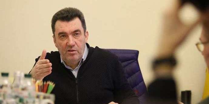 Україна хоче припинити війну на Донбасі без втрати територій, - Данілов