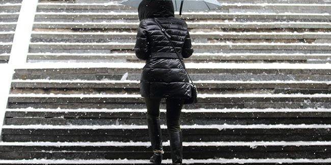 Мокрий сніг і похолодання до -3: прогноз погоди на сьогодні