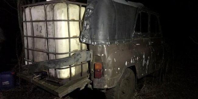 На кордоні з Росією виявили нелегальне переміщення пального