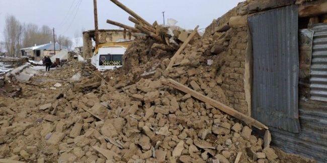 На кордоні Туреччини та Ірану стався сильний землетрус, є жертви