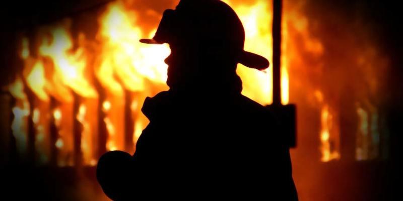 У Києві під час пожежі в люці теплотраси виявлено тіла трьох людей