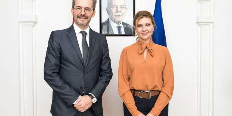 Олена Зеленська зустрілася з послом Австрії і заручилася його підтримкою в інклюзивній програмі