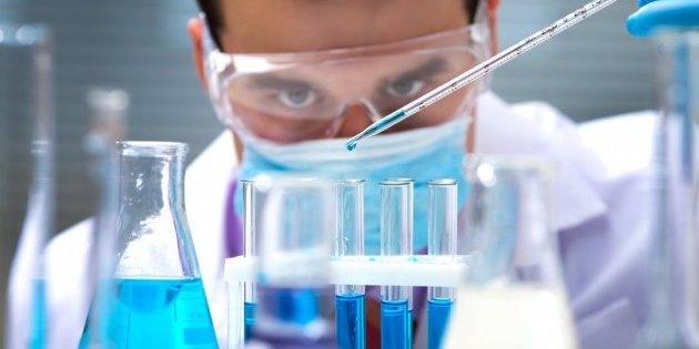 Вакцину проти коронавірусу вперше почали тестувати на людях