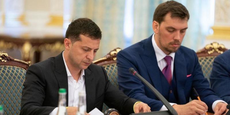 Зеленський та Гончарук говорили на Банковій через чутки про зміну прем'єра, – ЗМІ
