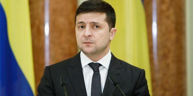 Діяльність Зеленського на посаді президента схвалюють менше половини українців