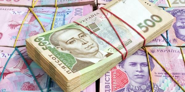 В Україні одноразово видаватимуть гроші людям, які здійснили героїчний вчинок