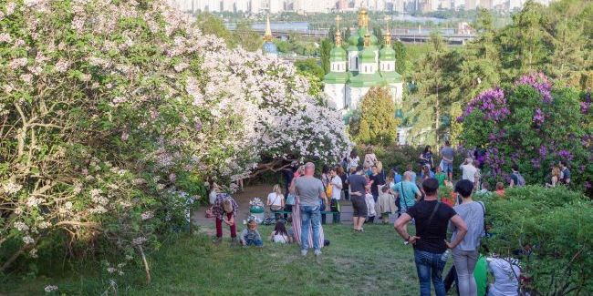 Навесні українці отримають чотири додаткових вихідних