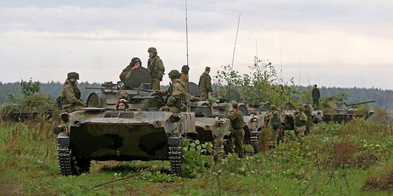 Скільки та яке озброєння Росія стягнула до кордону з Україною: дані розвідки