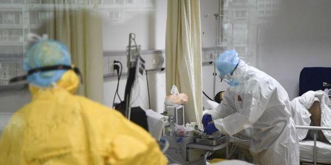 Українці перебували в літаку з хворою коронавірусом громадянкою Молдови