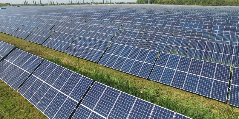 Найпотужніші сонячні електростанції України (інфографіка)