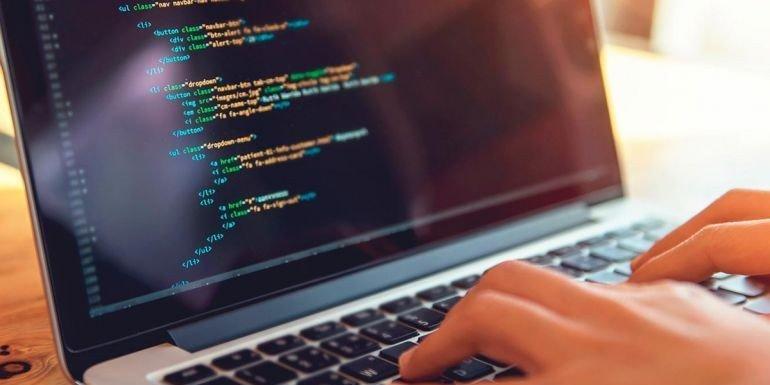 Жінки-ФОПи в українському ІТ: 25% – з Києва, майже 60% – програмістки