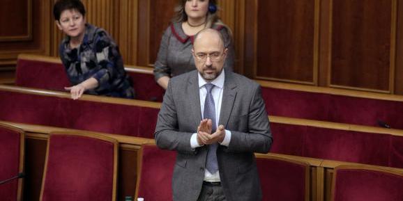 Українські міністри відмовилися від величезних премій до кінця року