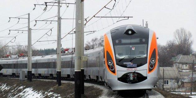 Україна призупиняє залізничне сполучення з Польщею: Укрзалізниця поверне гроші за квитки