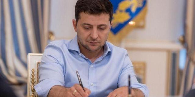 Зеленський підписав закон про боротьбу з коронавірусом: що він передбачає