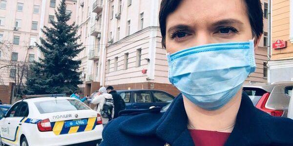 Лікарі без масок і 200 тестів: Соколова розповіла про лікарню під коронавірус