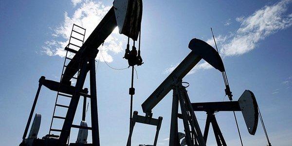 Ціни на нафту розвернулися після обвалу напередодні: скільки коштує тепер