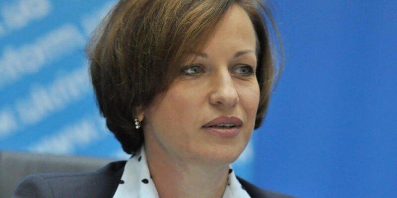 «Сидіть вдома»: міністр соцполітики звернулася до пенсіонерів