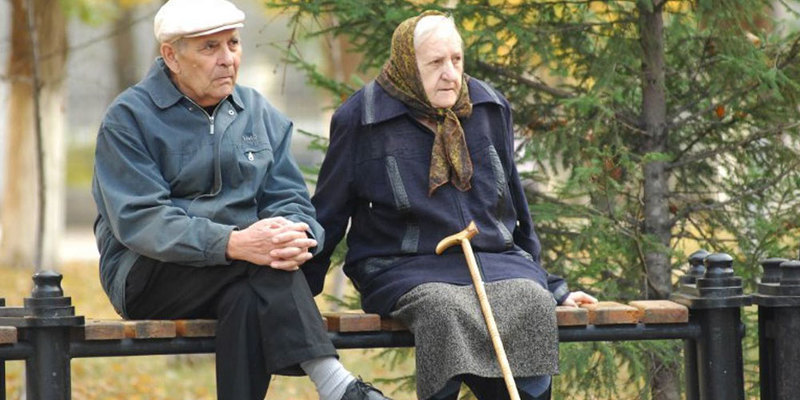 МОЗ закликає допомогти старшим людям мінімізувати контакти з оточуючими