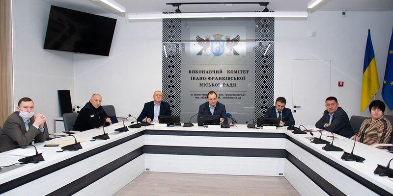 Івано-Франківськ просить ввести НС в Україну через коронавірус