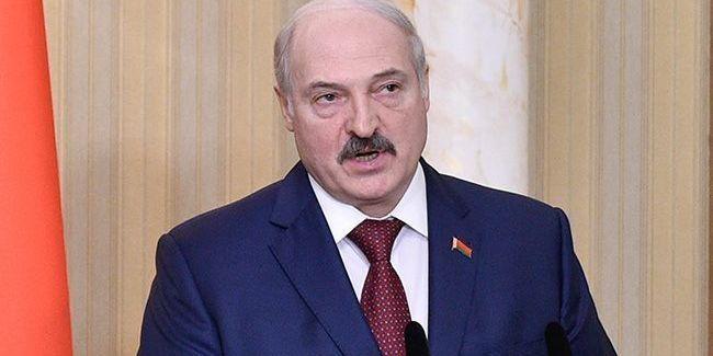 «Хай там і сидять»: Лукашенко проти повернення білорусів, які виїхали після попередження про пандемію