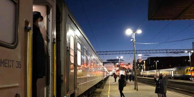 Пасажирів потяга з Риги понад 3 години не випускали: що кажуть у МОЗ
