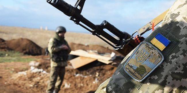 На Донбасі загинув український військовий, ще четверо - поранені