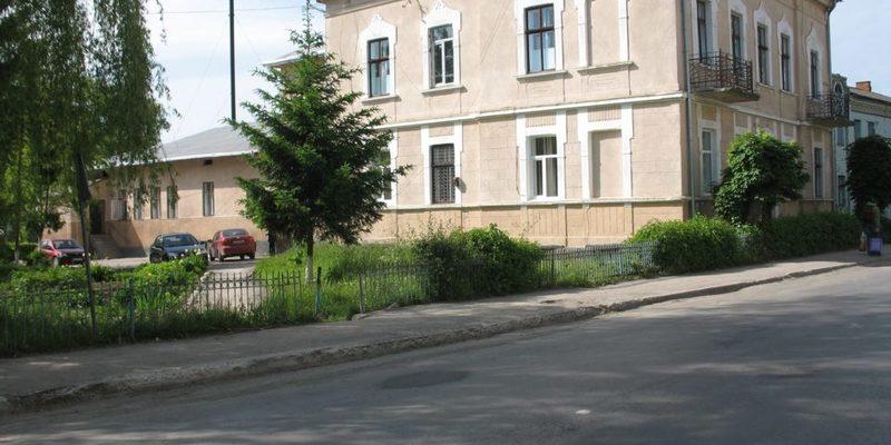 МОЗ не реагує на запити потреб лікарні на Тернопільщині, де захворіли 27 медиків