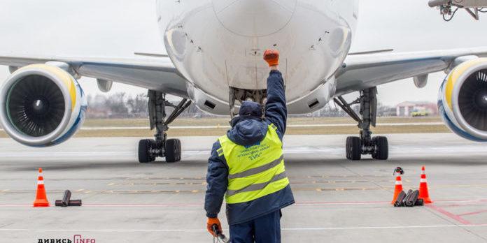 Шість спецрейсів із евакуйованими українцями прибудуть в країну 3 квітня