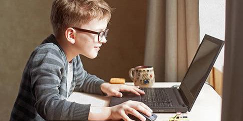 Міносвіти підготувало розклад уроків онлайн для школярів