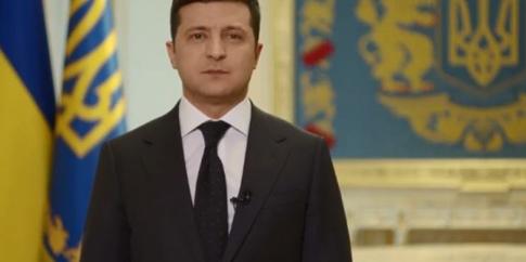 Зеленського закликали заборонити співакам випускати пісні з нецензурною лайкою