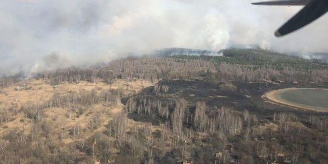 Пожежа у Чорнобильській зоні триває четвертий день