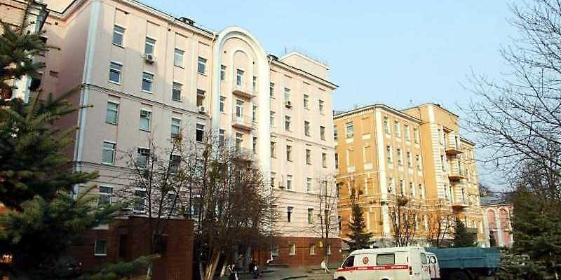 У Києві «замінували» Олександрівську лікарню, де лежать хворі з коронавірусом